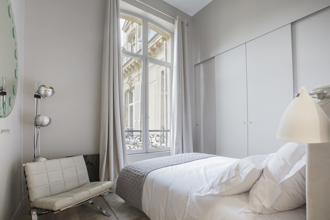 Apartment Paris Rue de Marignan 15