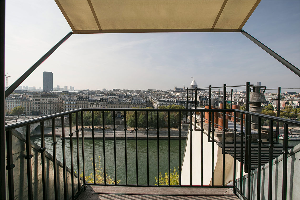 Apartment Paris Quai d'Orléans 14