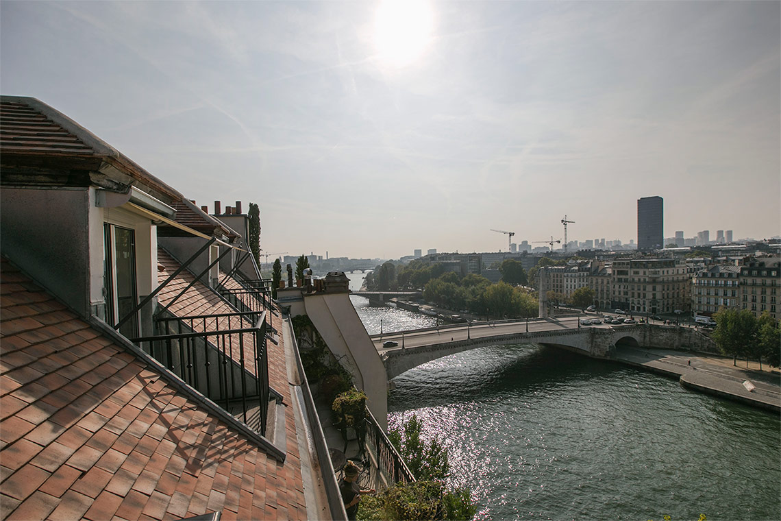 Apartment Paris Quai d'Orléans 15