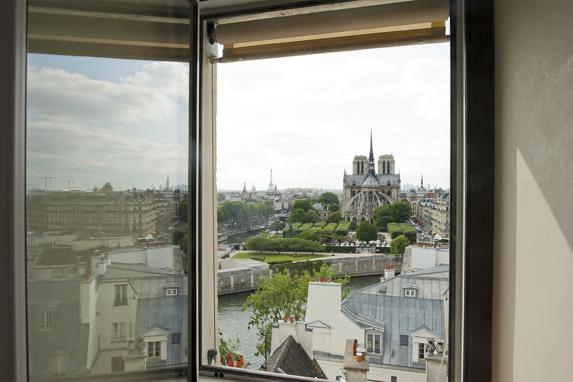Apartment Paris Quai d'Orléans 7