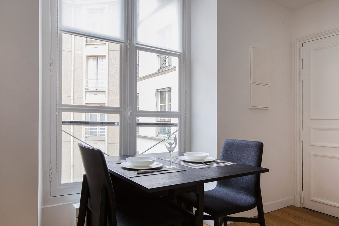 Apartment Paris Rue Corneille 9