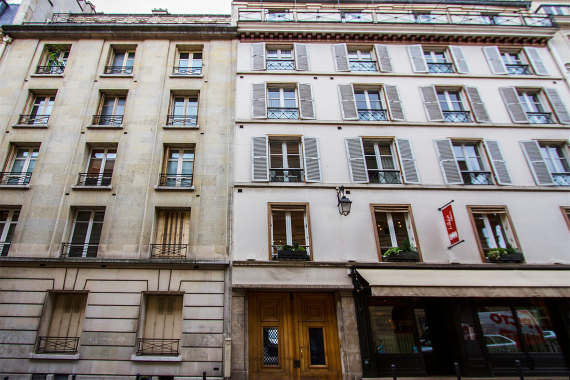 Apartment Paris Rue Corneille 12