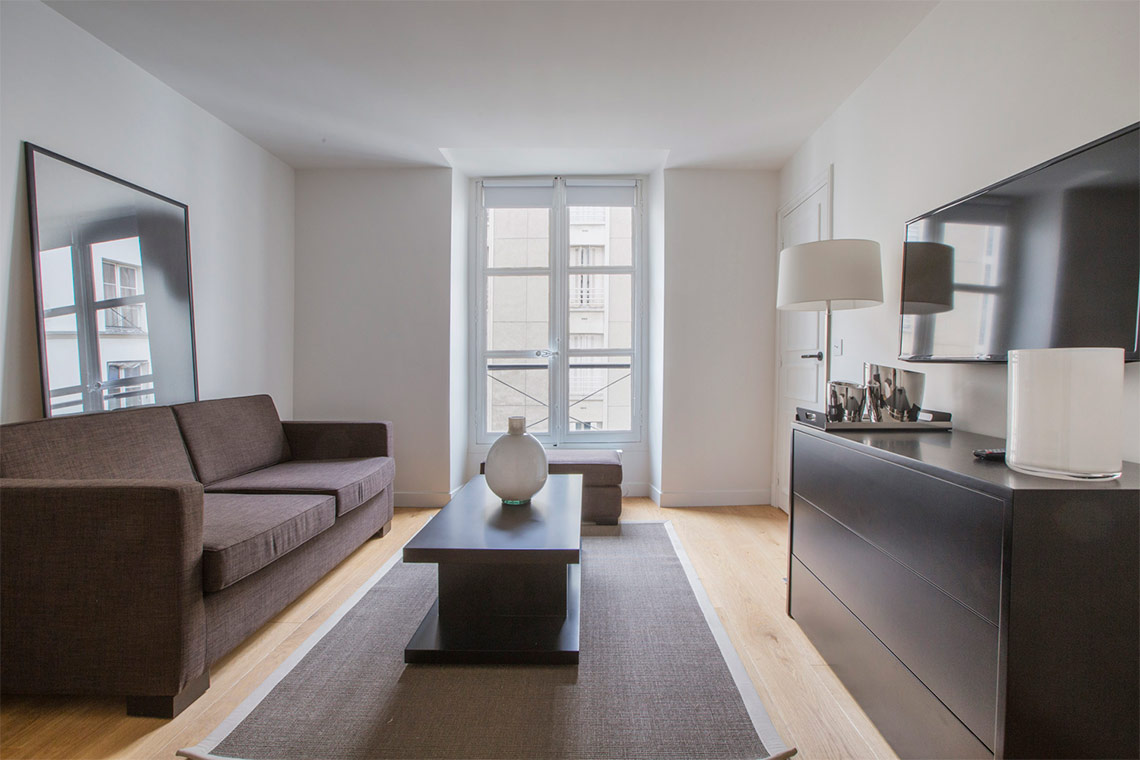 Apartment Paris Rue Corneille 2