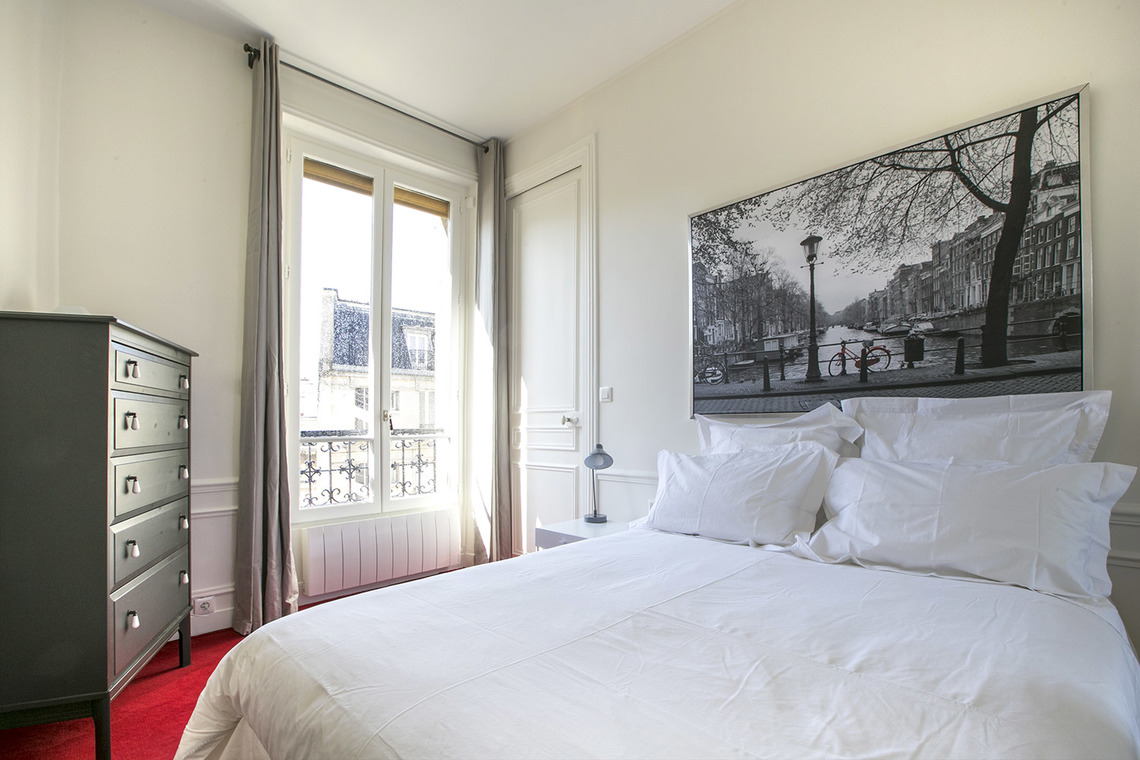 Apartment Paris Boulevard Saint Germain 8