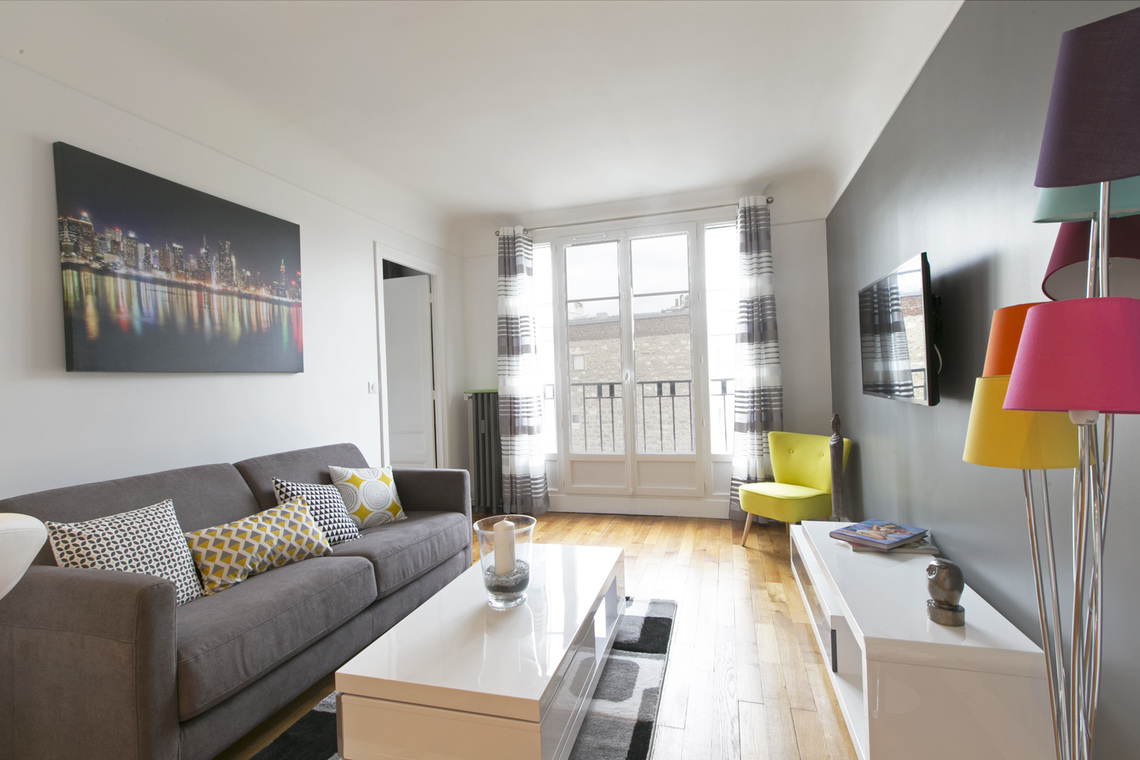 Apartment Paris Rue de Longchamp 4