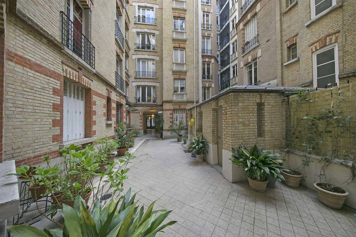Apartment Paris Rue Poncelet 13