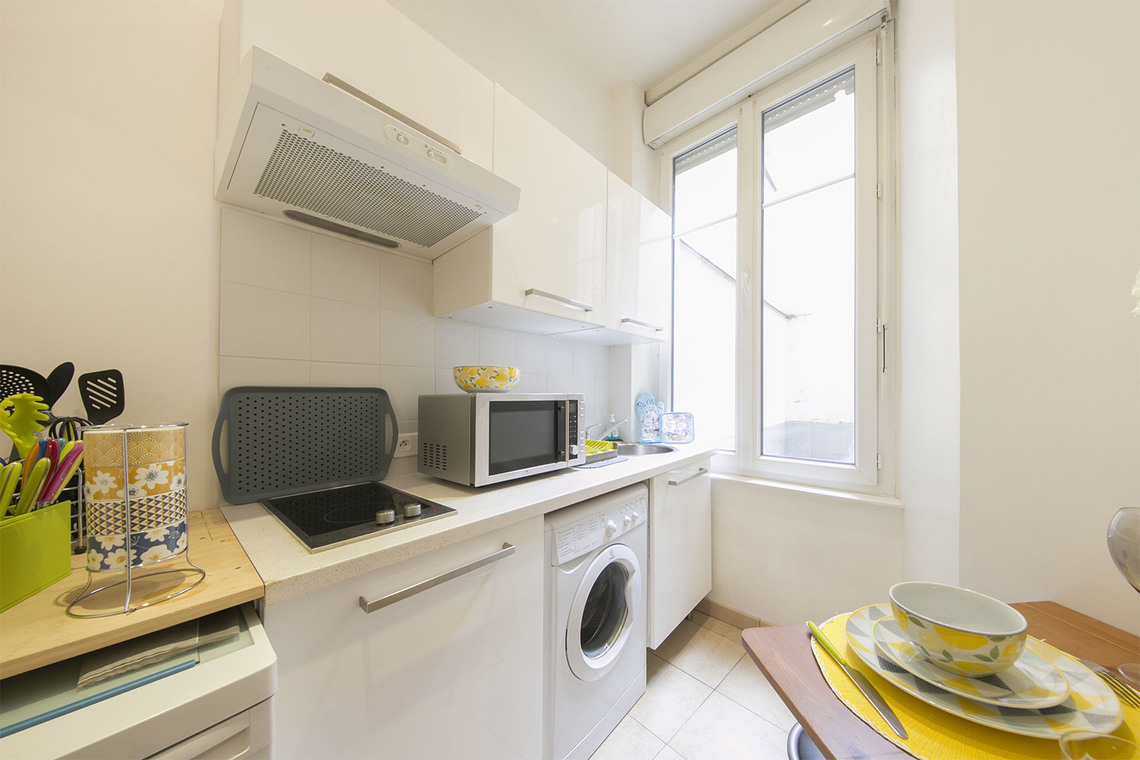 Apartment Paris Rue Poncelet 9