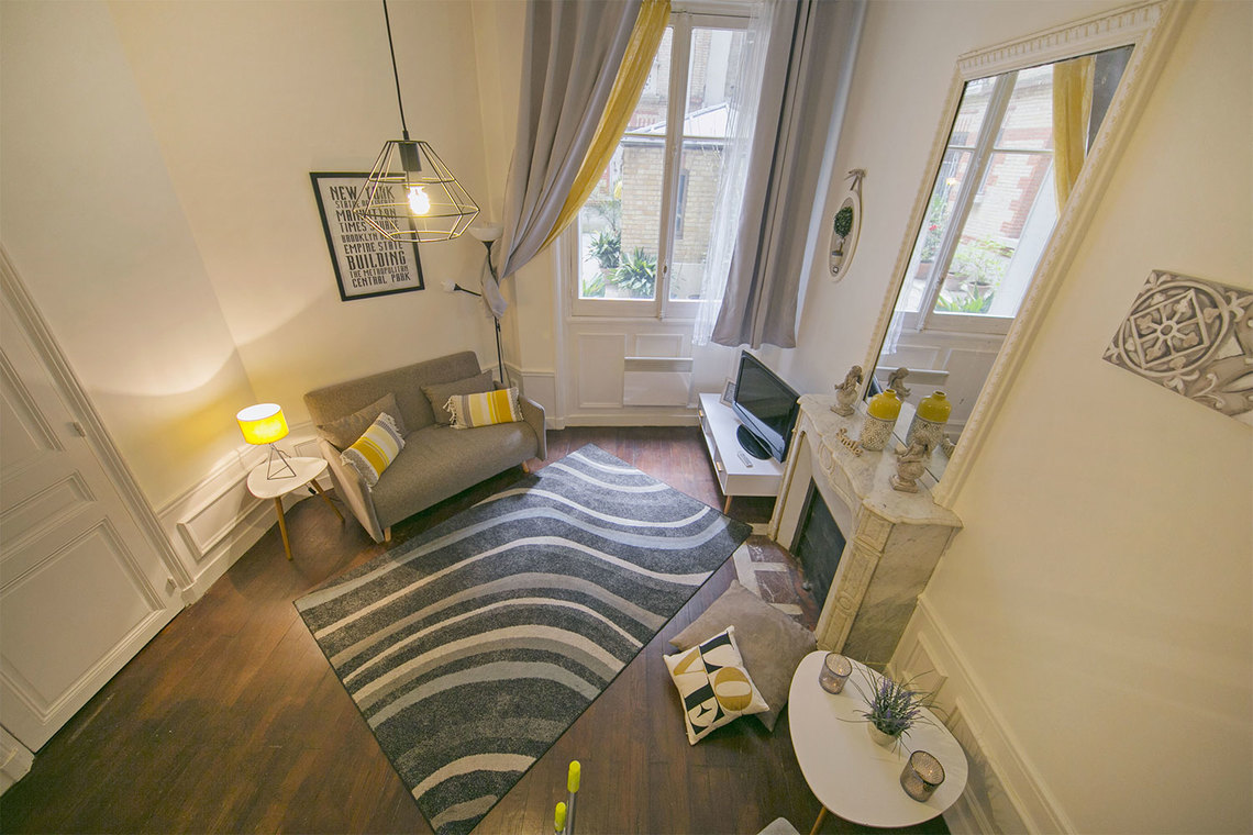 Apartment Paris Rue Poncelet 6