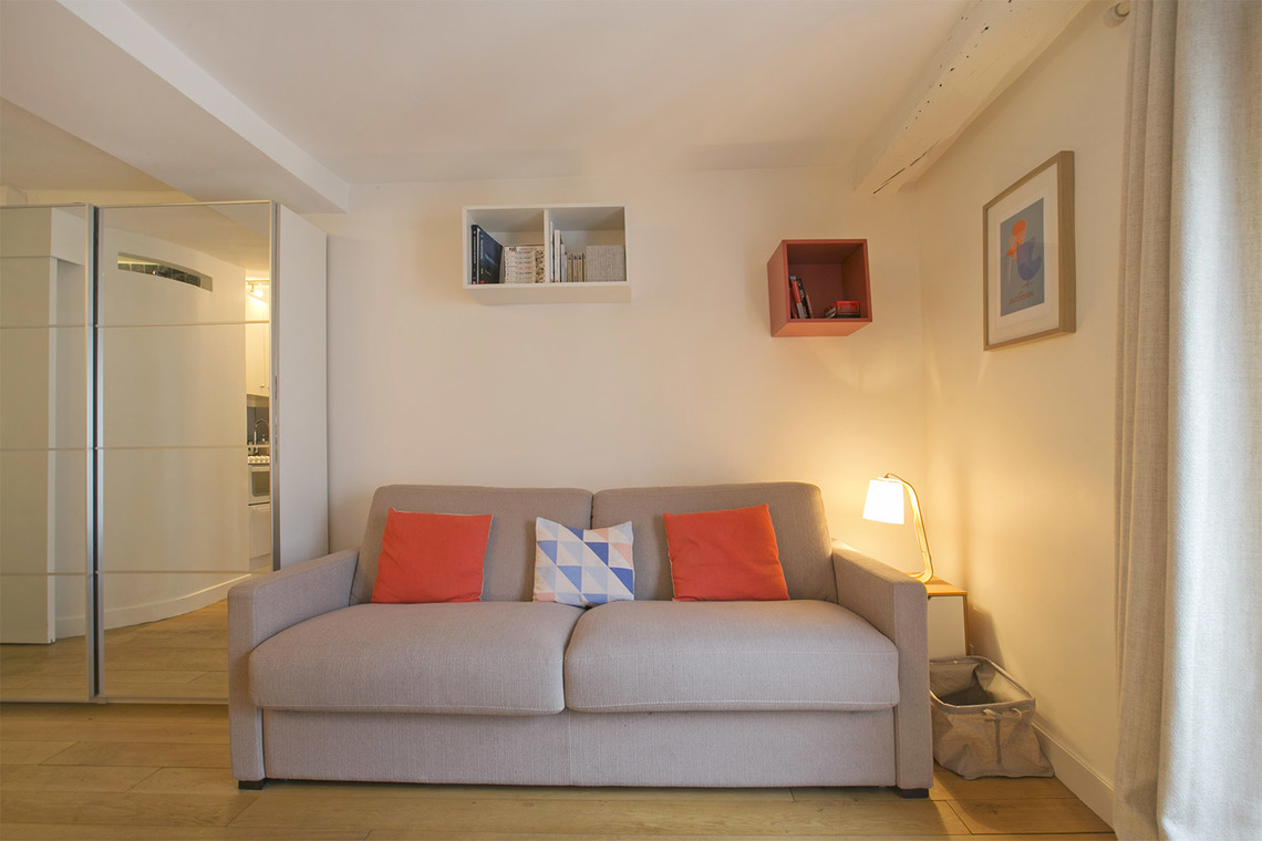 Apartment Paris Rue du Bac 4