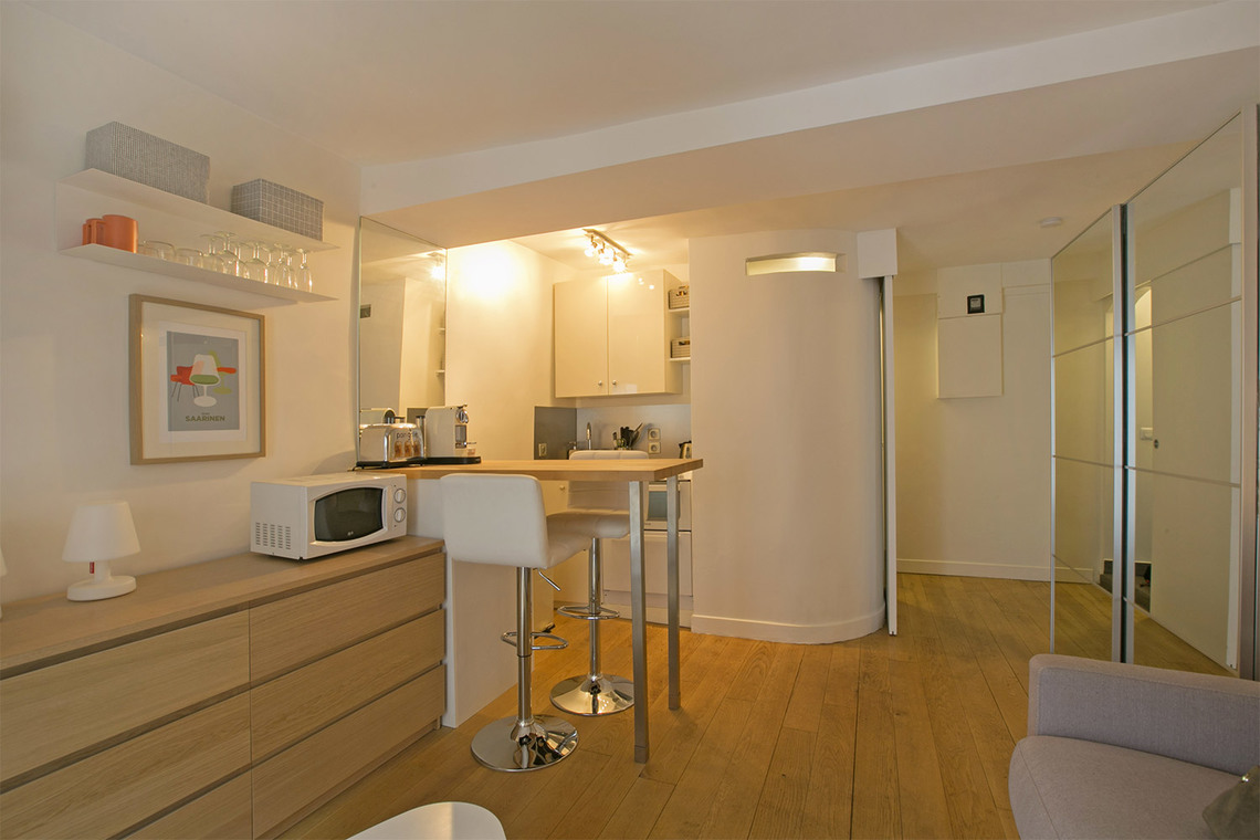 Apartment Paris Rue du Bac 6