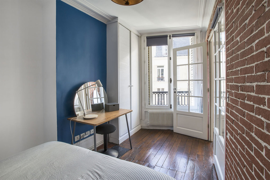 Apartment Paris Rue Montmartre 11