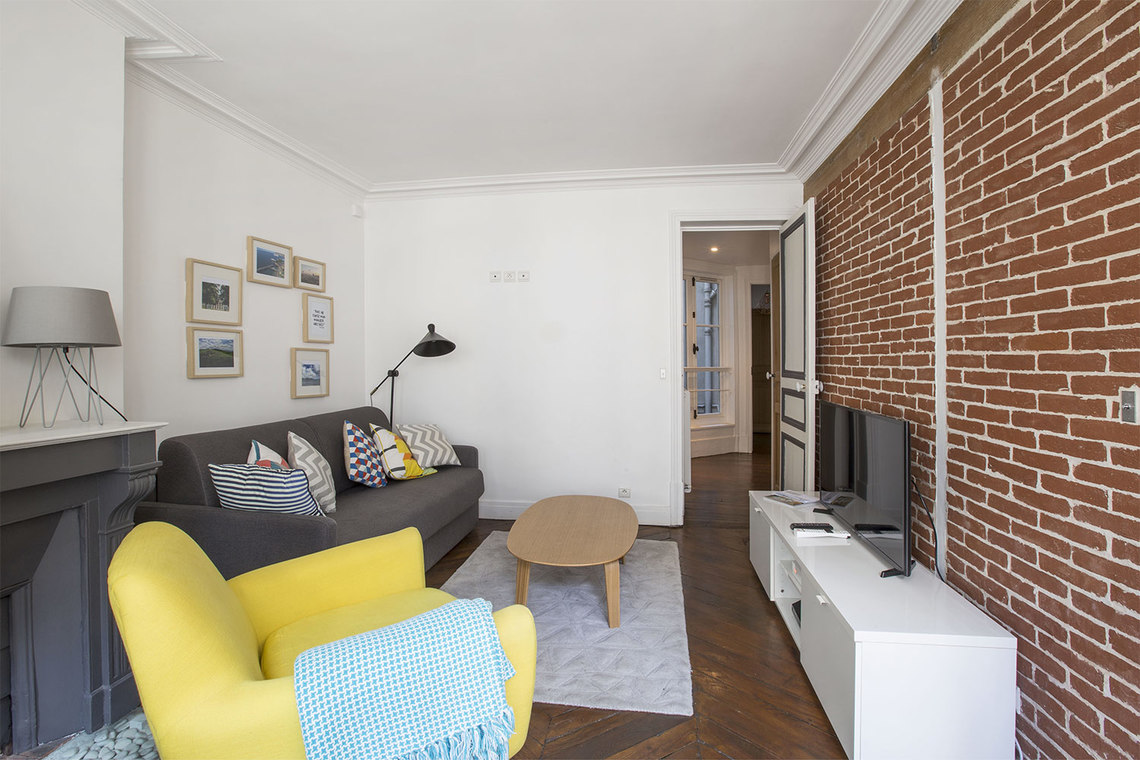 Paris Rue Montmartre Apartment for rent