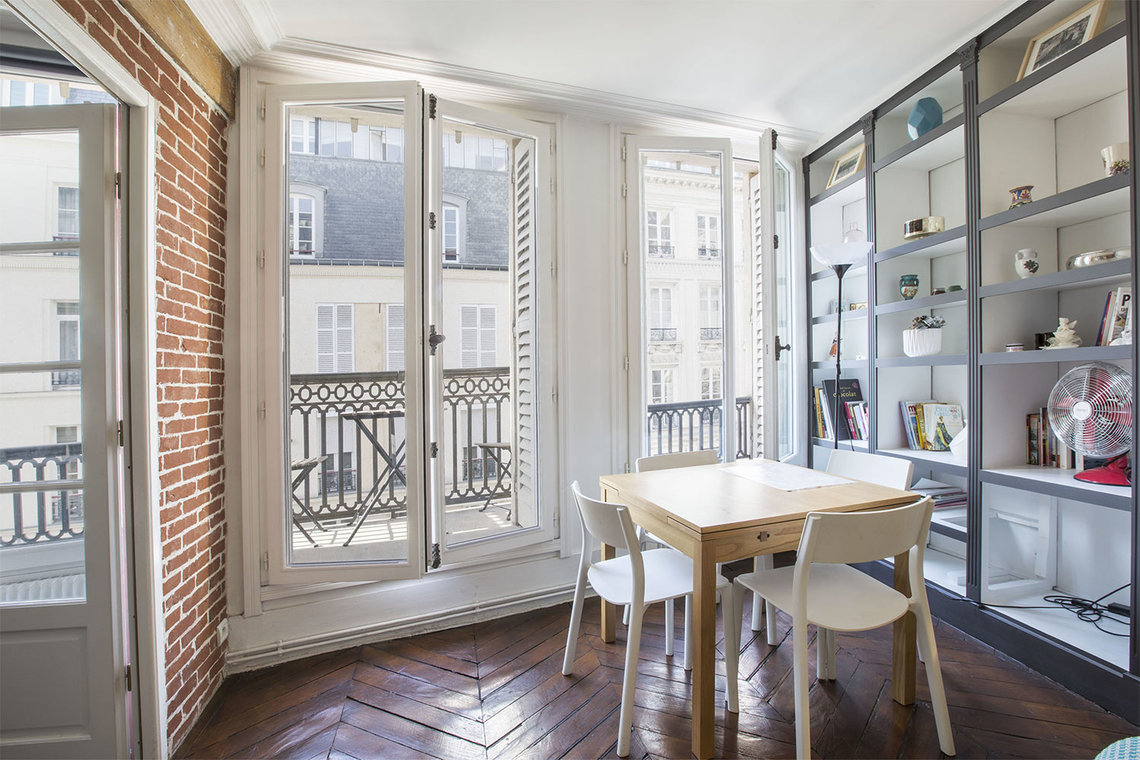 Apartment Paris Rue Montmartre 5