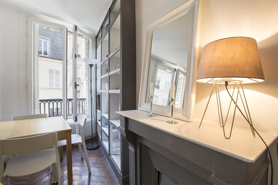 Apartment Paris Rue Montmartre 3