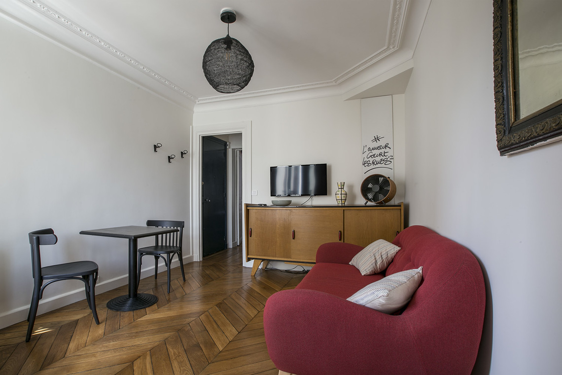 Furnished apartment for rent Paris Rue Chappe
