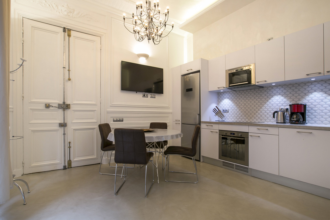 Apartment Paris Rue Lincoln 3