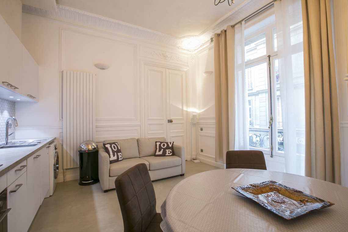 Apartment Paris Rue Lincoln 2