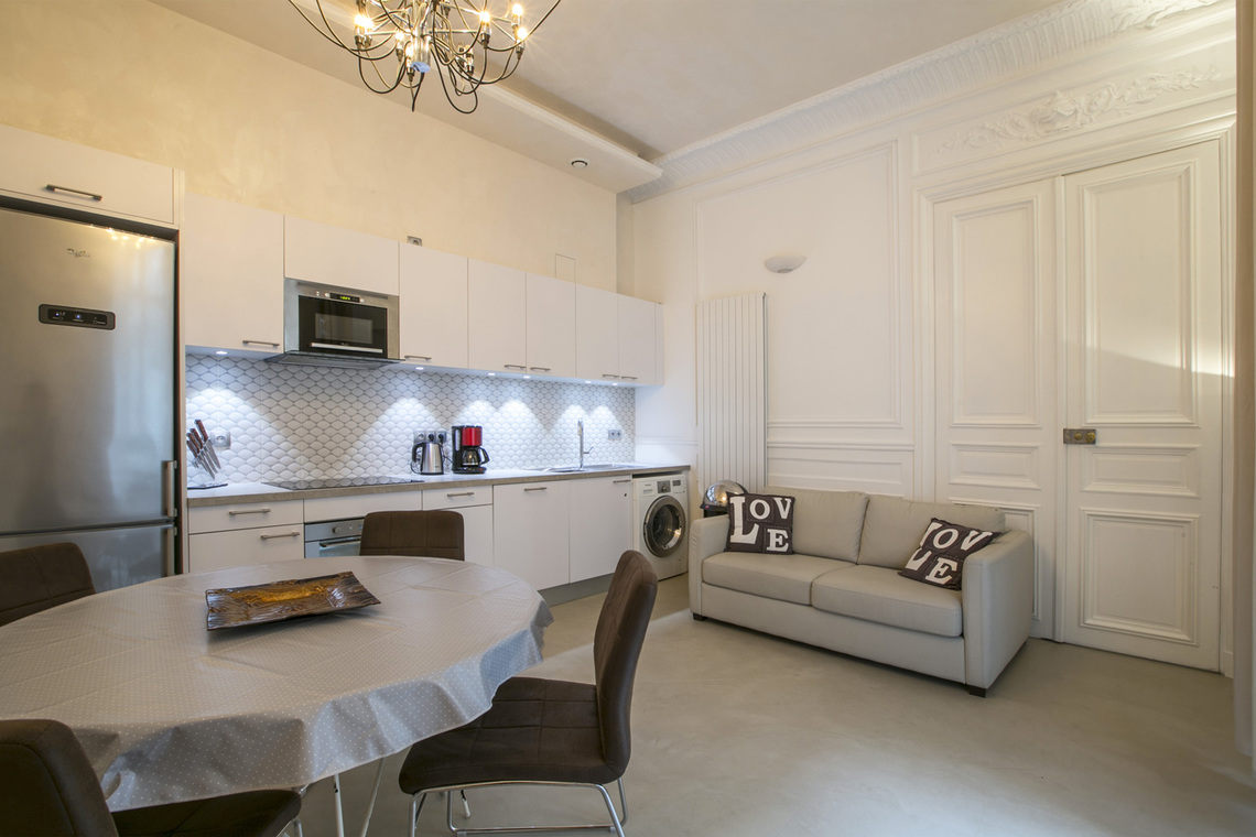 Furnished apartment for rent Paris Rue Lincoln