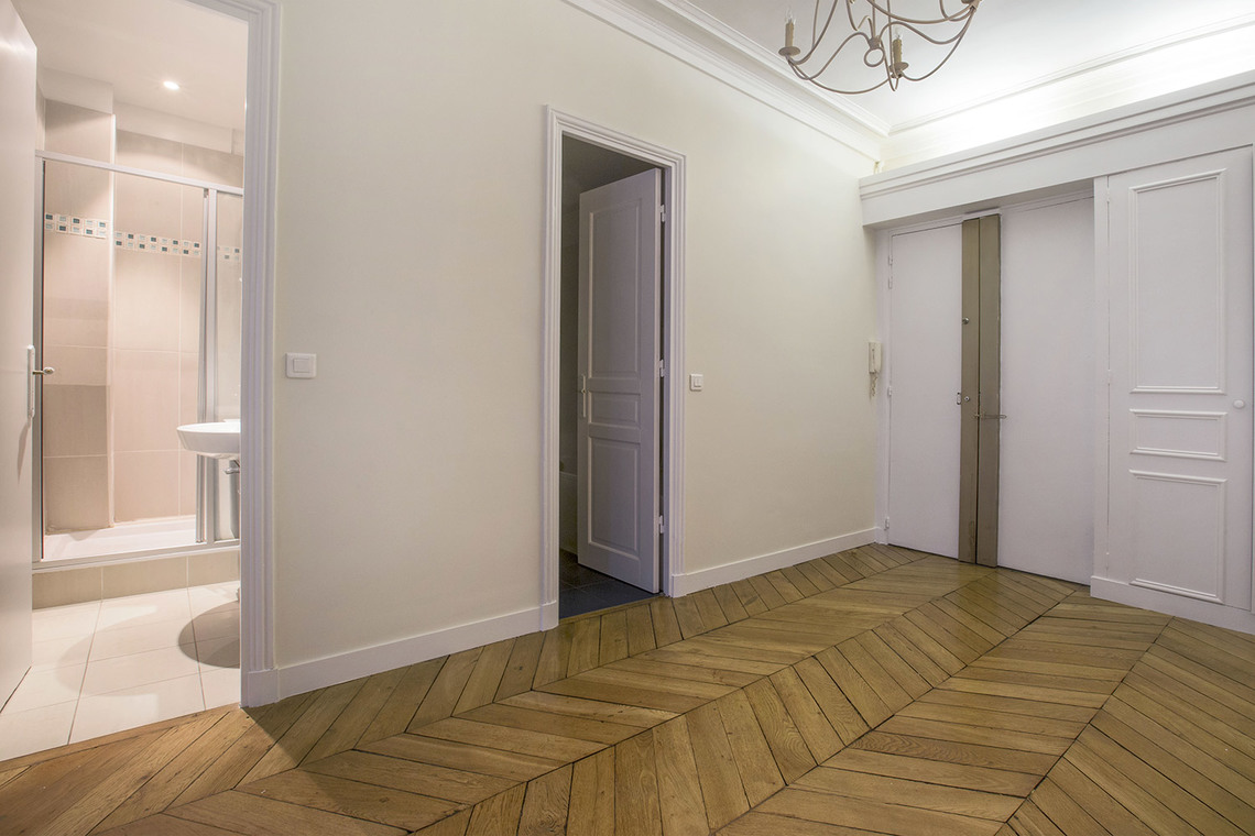 Apartment Paris Rue Duban 19