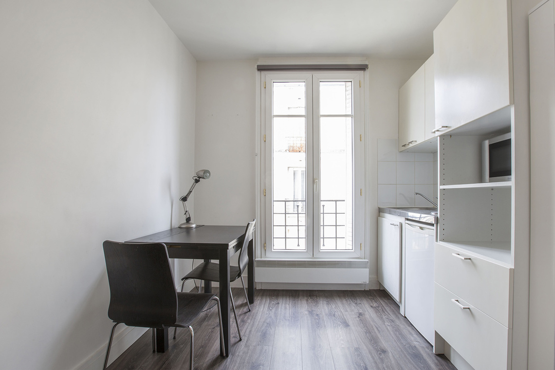 Neuilly-sur-Seine Avenue Charles de Gaulle Apartment for rent