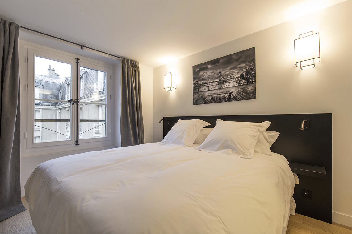 Apartment Paris Rue Corneille 7