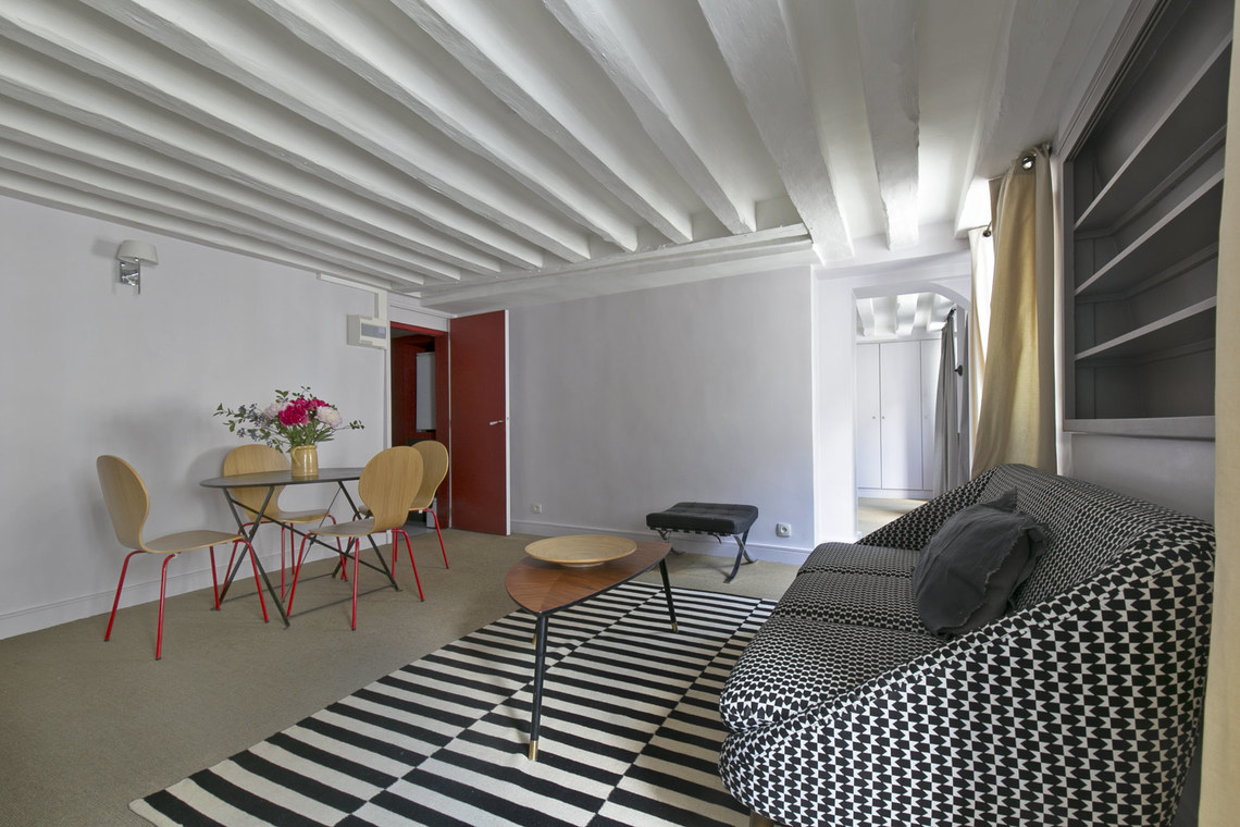 Apartment Paris Rue de Bourgogne 3