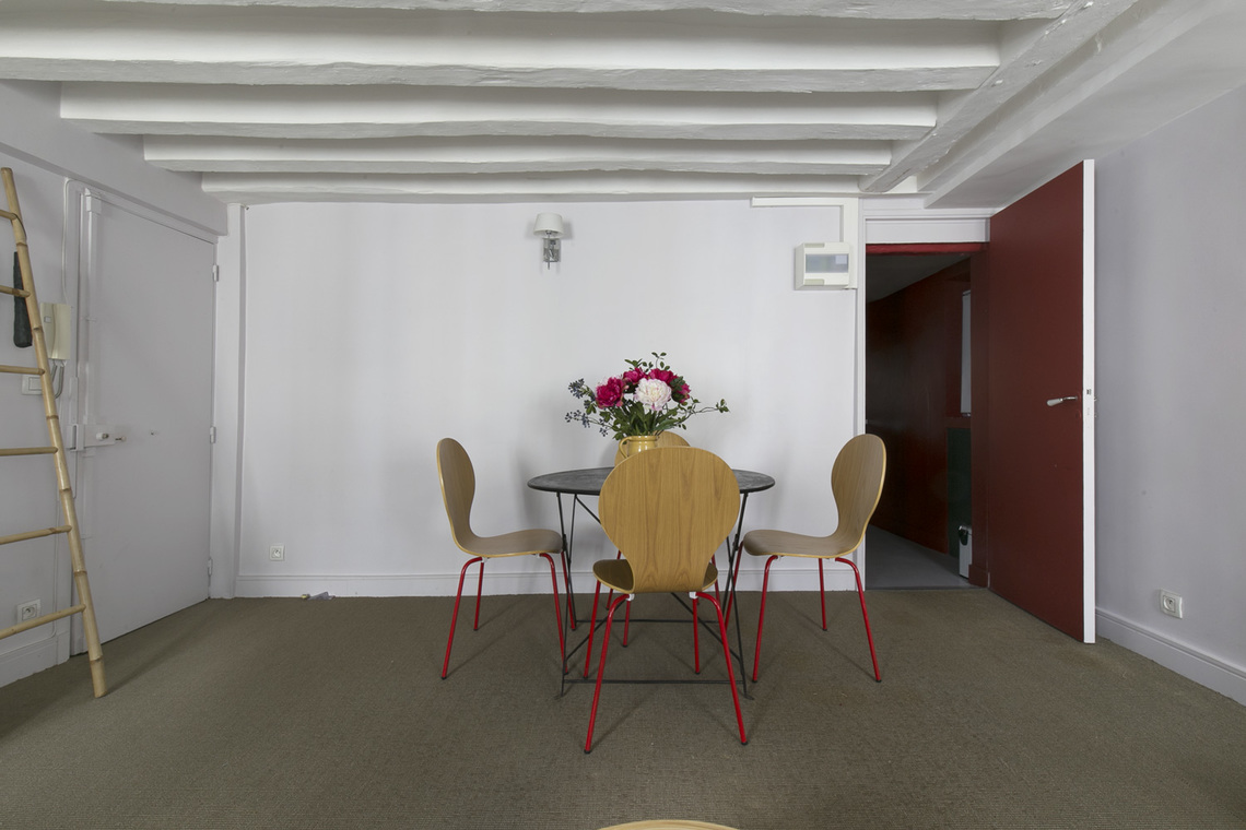 Apartment Paris Rue de Bourgogne 4