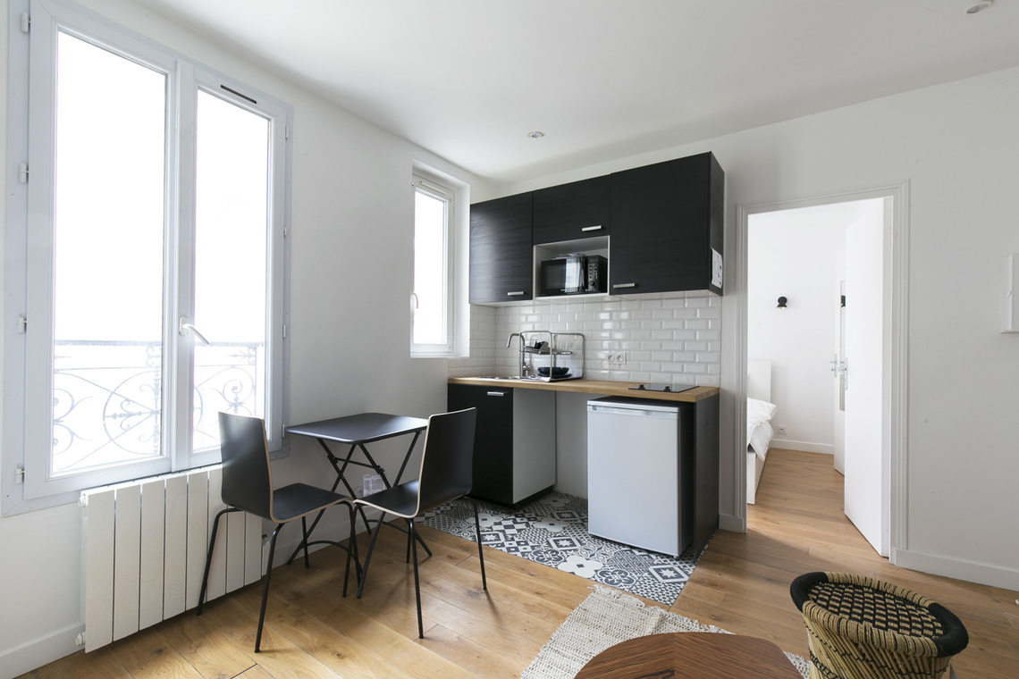Apartment Paris Rue Pouchet 4