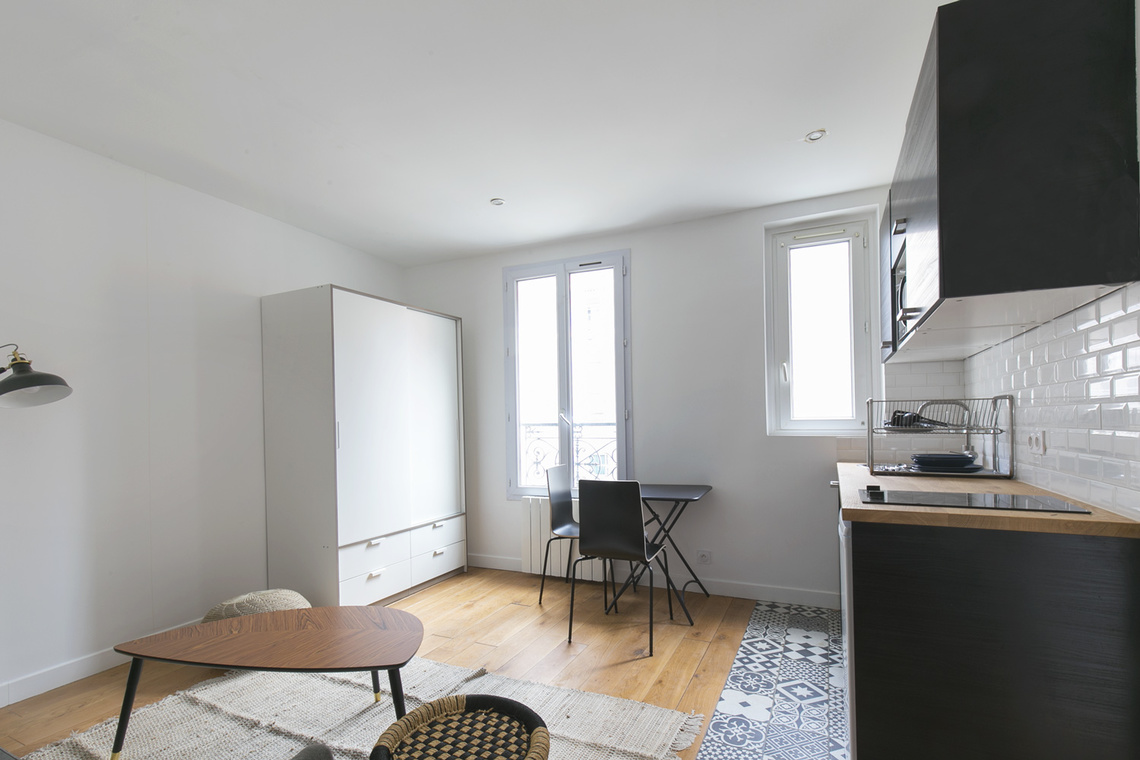 Apartment Paris Rue Pouchet 2