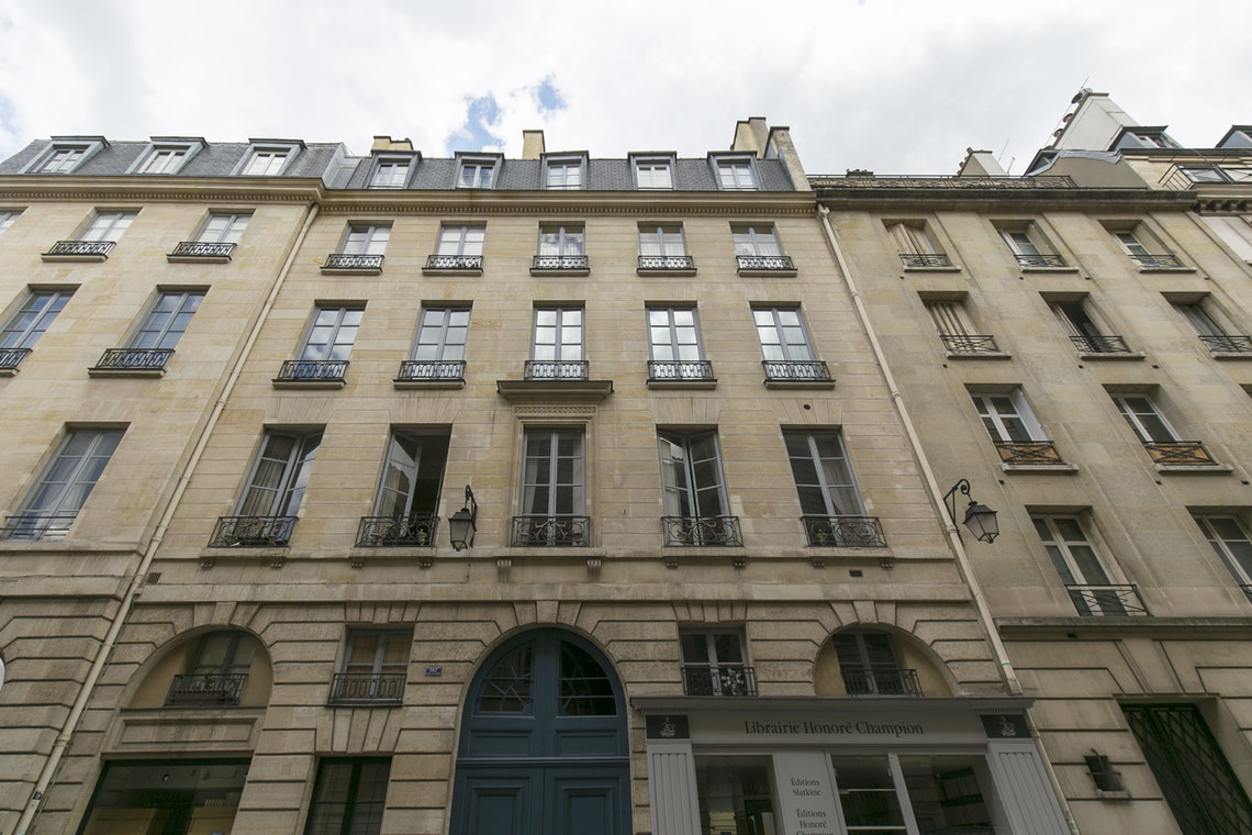 Apartment Paris Rue Corneille 19