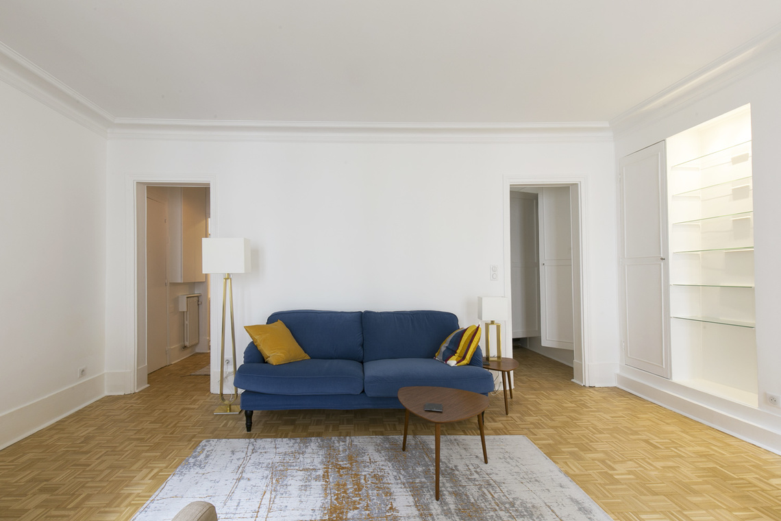 Apartment Paris Rue Corneille 5
