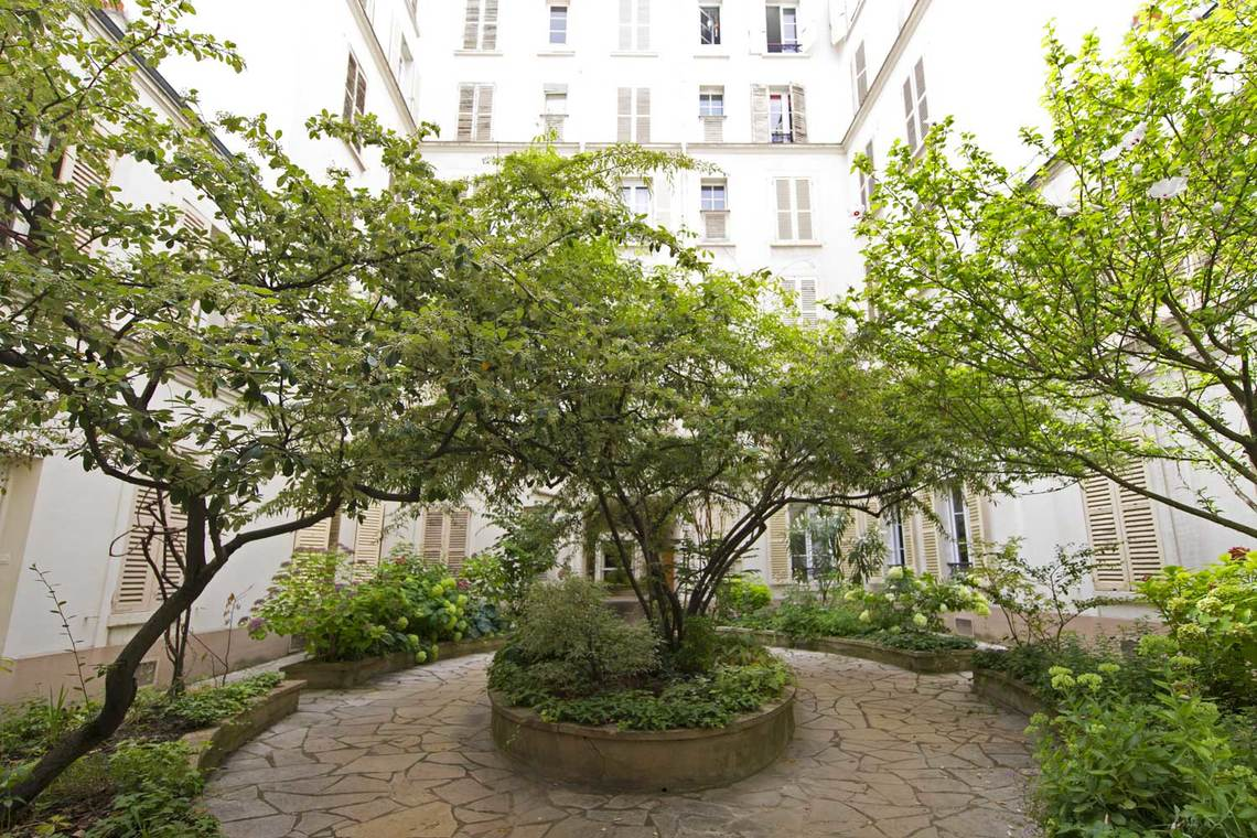 Apartment Paris Rue Saint Dominique 11