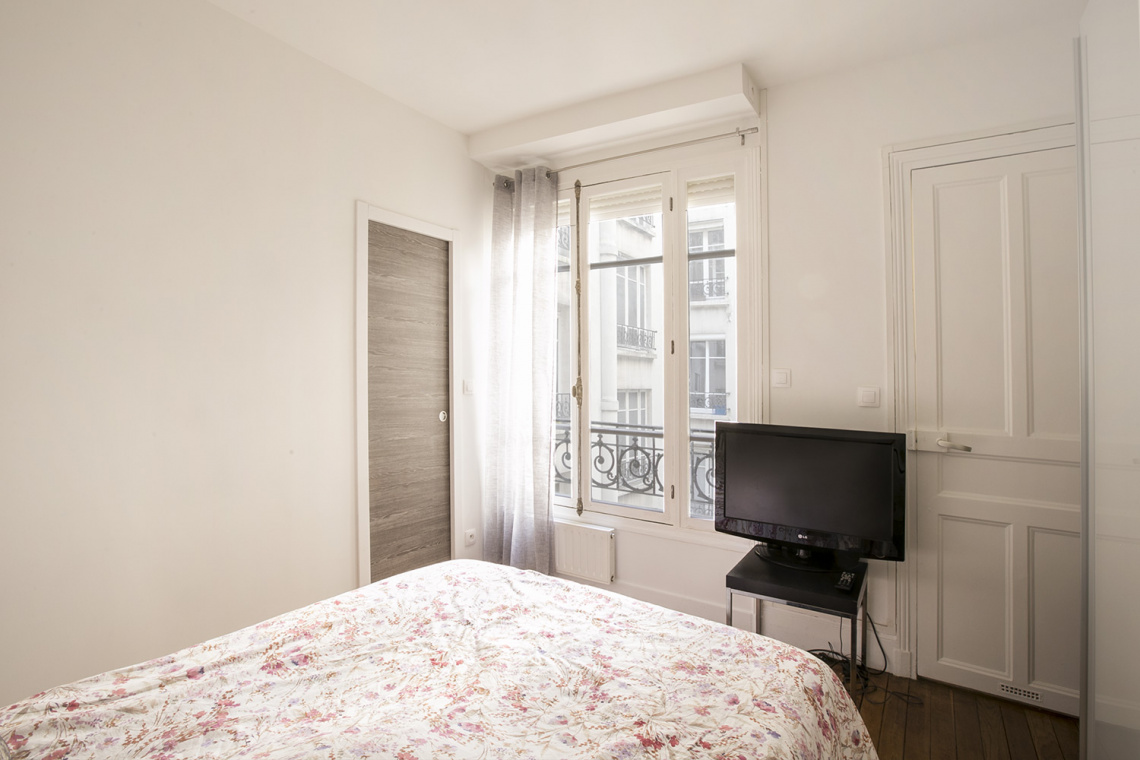 Apartment Paris Rue Dulong 7