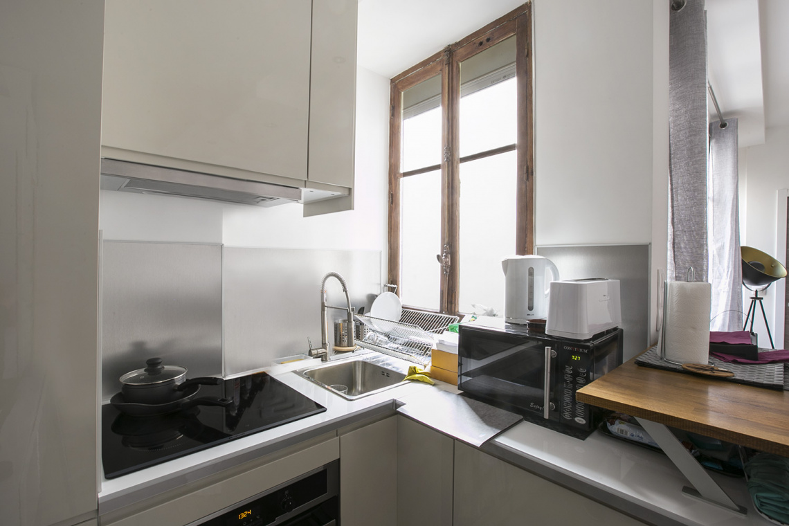 Apartment Paris Rue Dulong 5