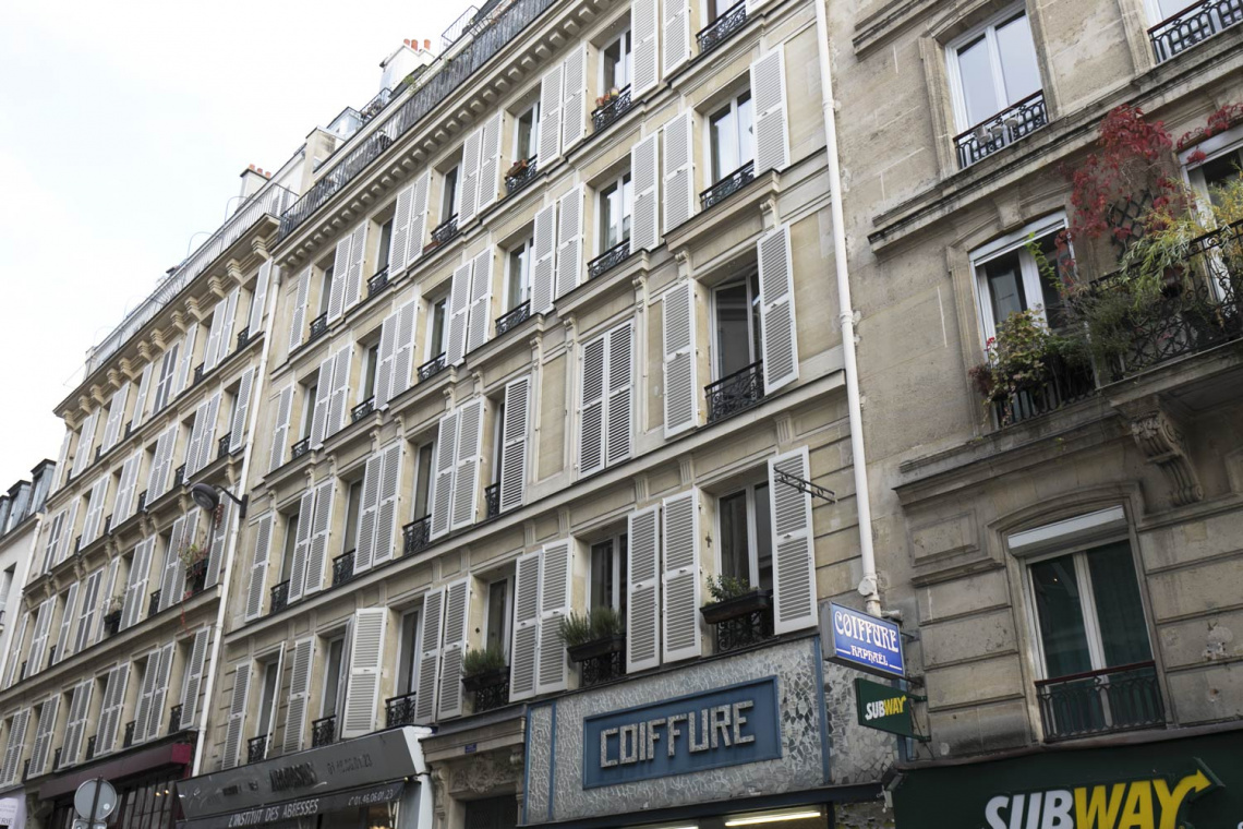 Apartment Paris Rue Houdon 19