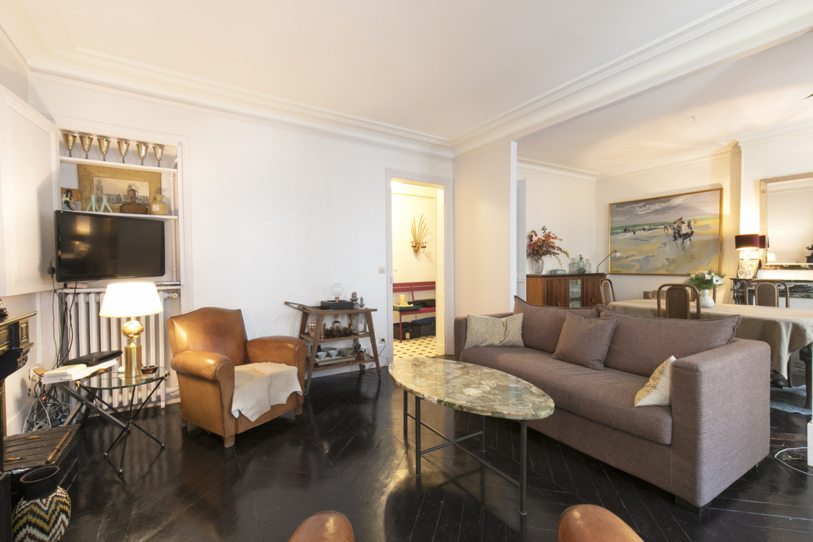 Apartment Paris Rue Houdon 4