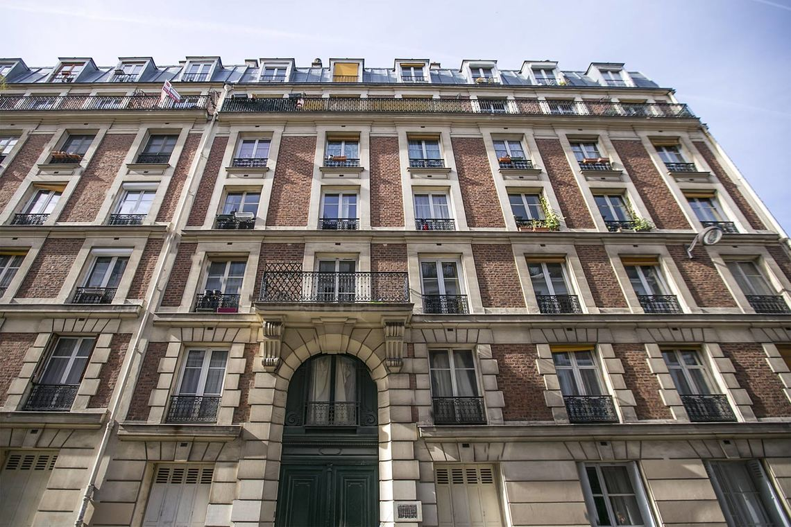 Apartment Paris Rue Crespin du Gast 13