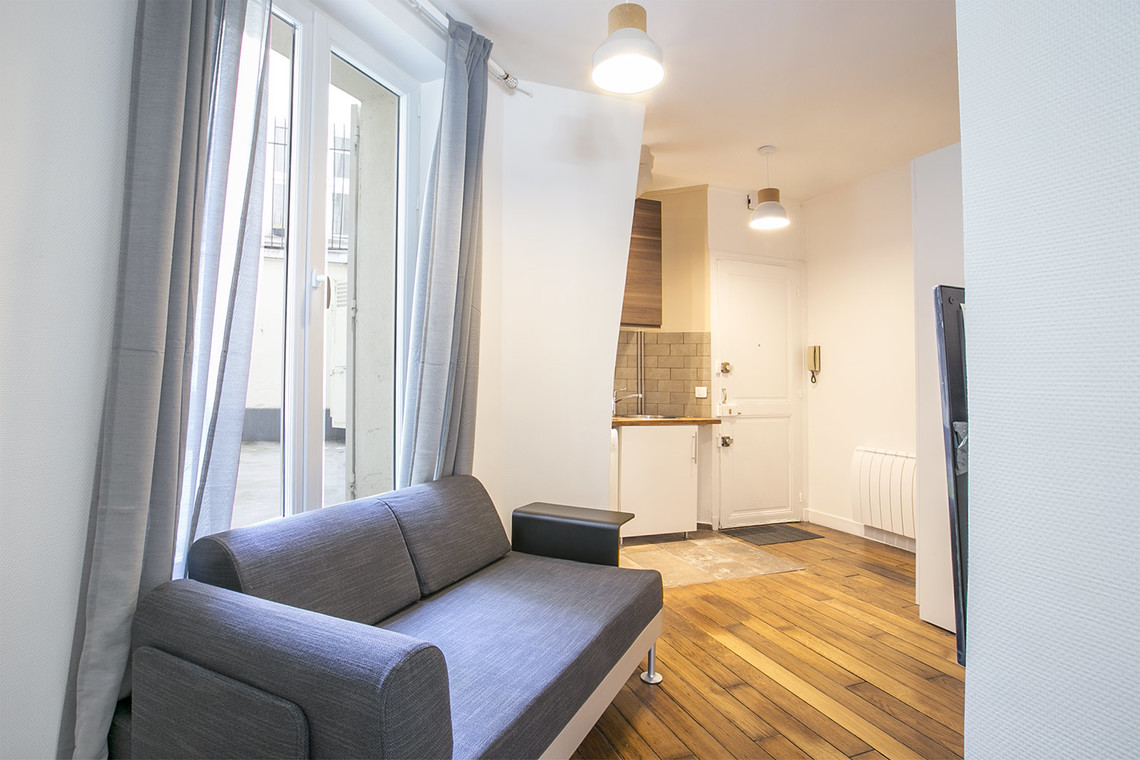 Apartment Paris Rue Crespin du Gast 4