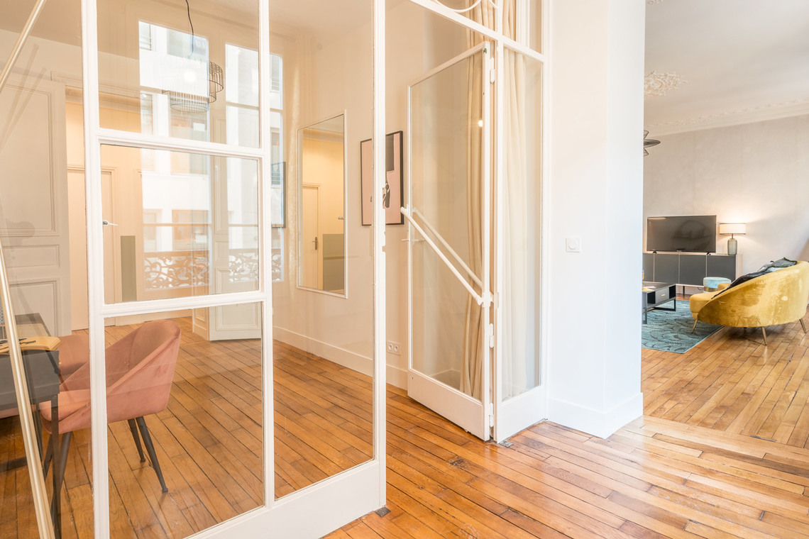 Apartment Paris Rue Saint Marc 22