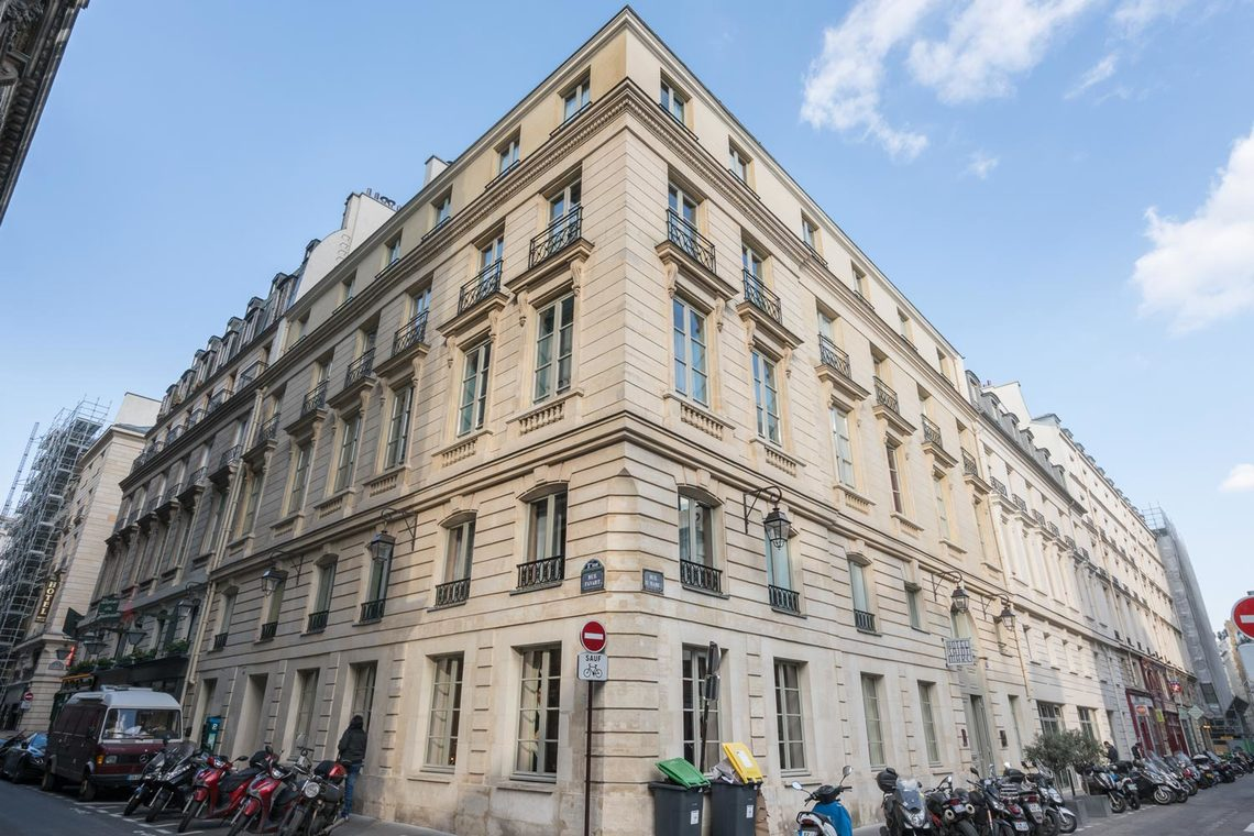 Apartment Paris Rue Saint Marc 28