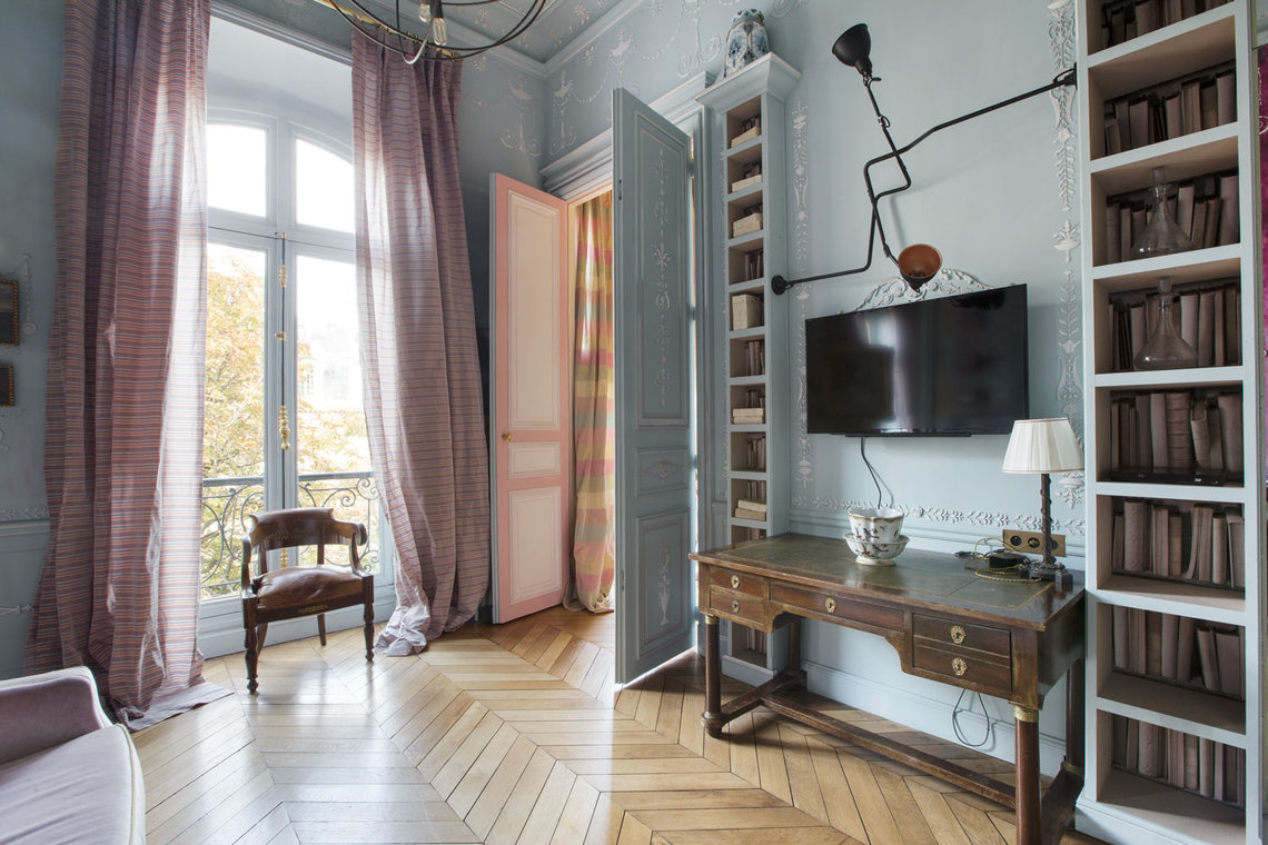 Apartment Paris Avenue Montaigne 8