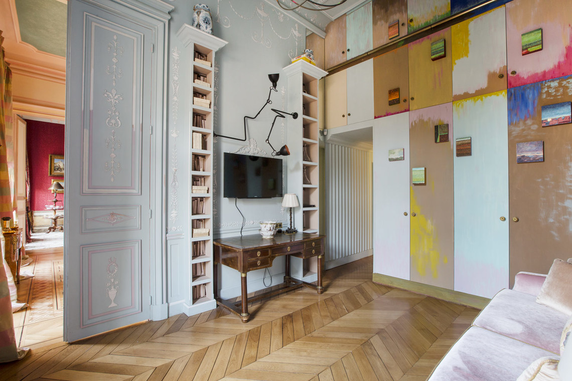 Apartment Paris Avenue Montaigne 7