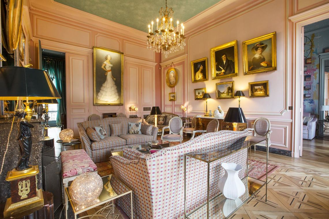 Apartment Paris Avenue Montaigne 2