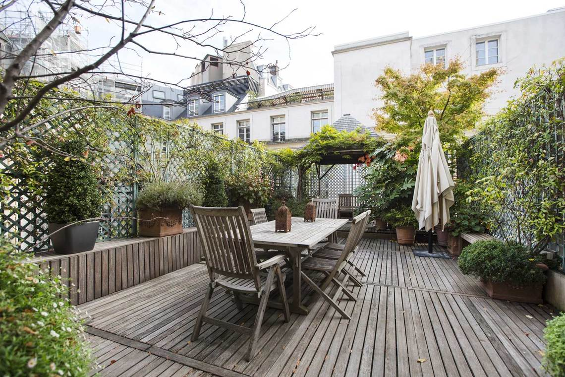 Apartment Paris Avenue Montaigne 19