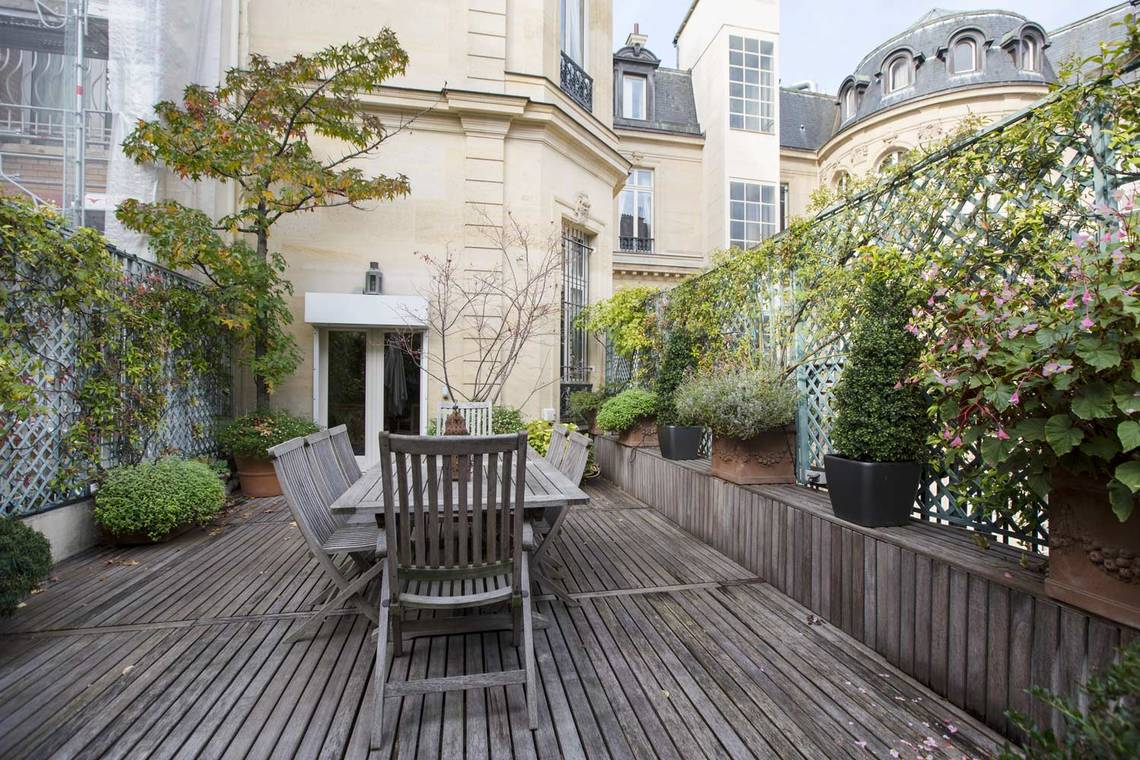 Apartment Paris Avenue Montaigne 20