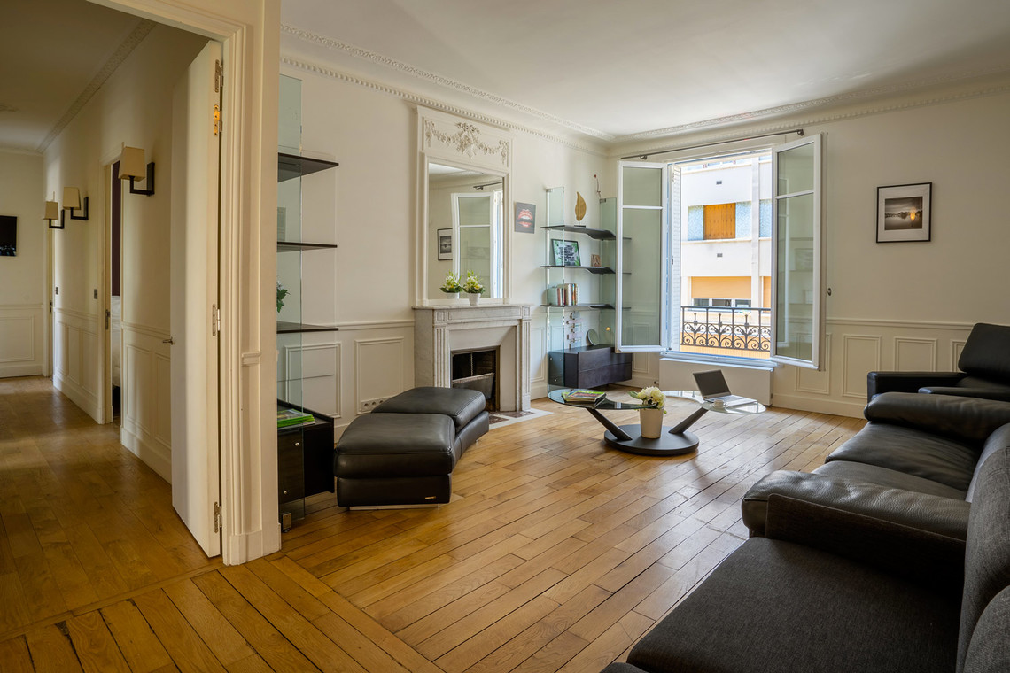 Apartment Paris Rue Lantiez 13