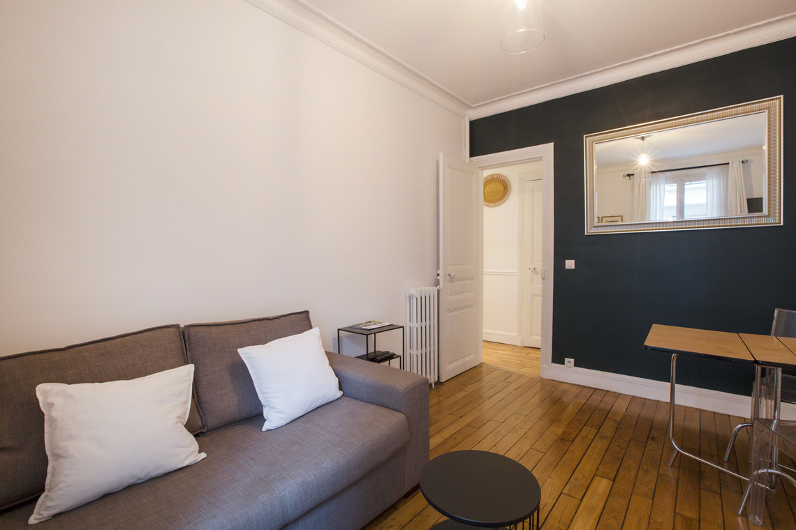 Paris Rue du Hameau Apartment for rent