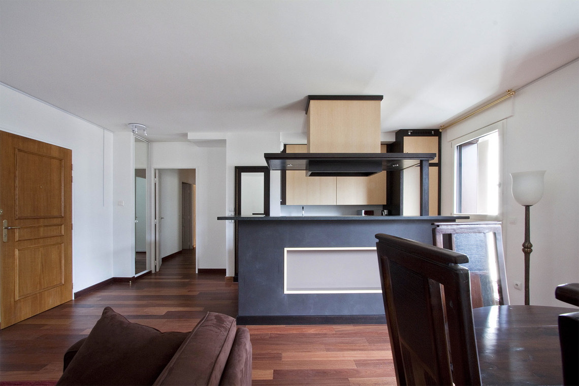 Apartment Paris Rue Pierre Demours 6