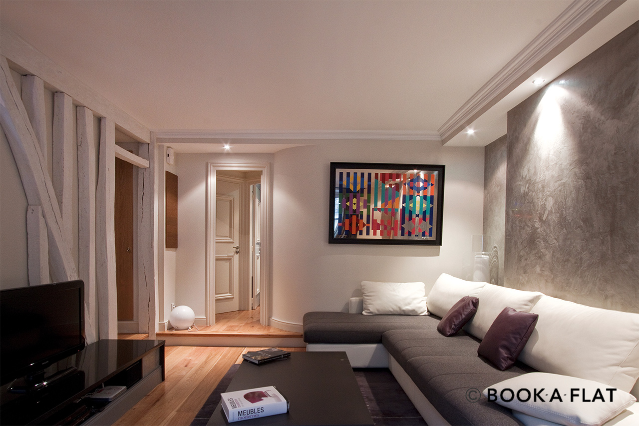 Apartment Paris Rue Jean Mermoz 3