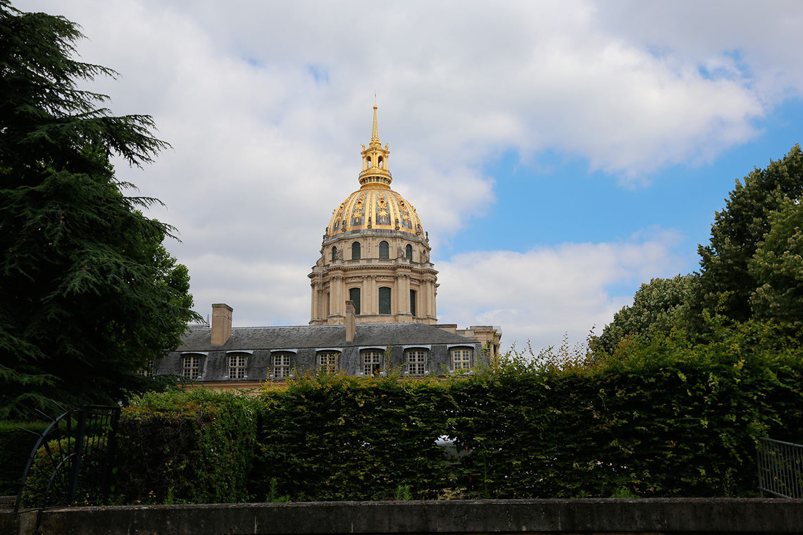 Apartment Paris Rue de la Comète 11